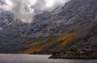 Autumn lak and Mountainside
