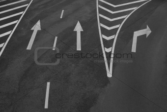 Arrow signs and other road markings