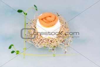 Single boiled egg with caviar on top
