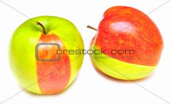 sliced of red and green apple