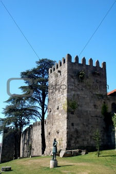 a castle ruine in the city of porto