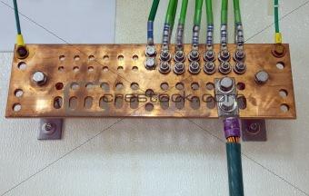 Grounding electric bar