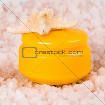 facial creme and seastar