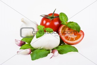 Tomatoes, mozzarella, basil and garlic