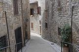 Alleyway. Corciano. Umbria.