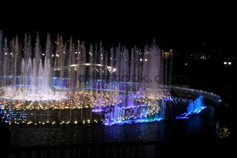 Moscow fountain at night