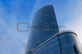 Skyscraper in the form of sail