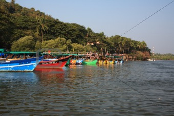 Tourist boats lined up