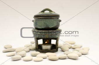 Aromatherapy Burner with Pebbles
