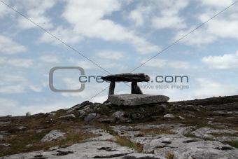 poulnabrone dolmen portal tomb