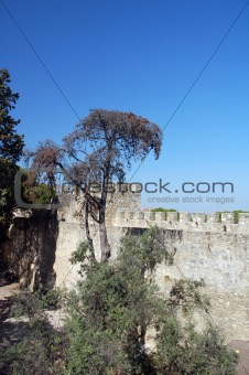 Ancient destroyed building in lisboa
