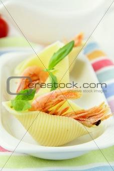 appetizer pasta shells with shrimp