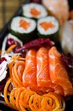 MIX SUSHI SASHIMI MAKI 3