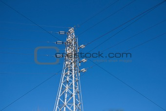 A high voltage powerline