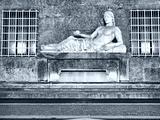 Dora Statue, Turin
