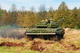 The tank t-72 in movement