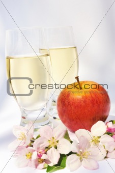 Apple juice, apple fruit, apple blossoms - still life