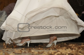 Bride€™s shoes exposed