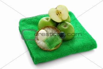Apple flavored SPA set on green towel