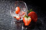Strawberries on ice - Cocktail Dessert