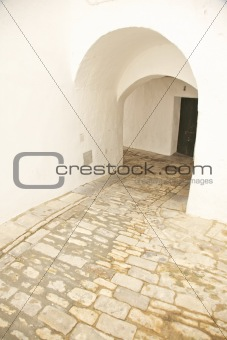 arch corridor at Vejer village