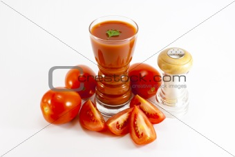Tomato juice and salt