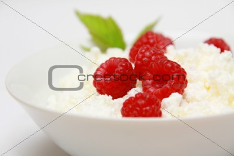 Cottage cheese and raspberry