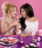 barbie fashion girls fighting for eat the sweet