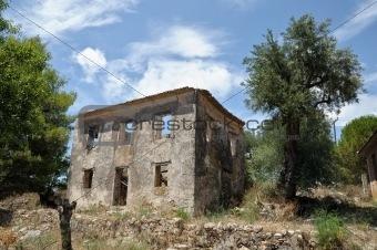 rural house ruins