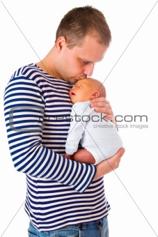dad and his newborn baby
