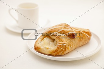 apple croissant pastry