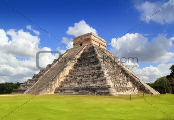 Ancient Chichen Itza Mayan pyramid temple Mexico
