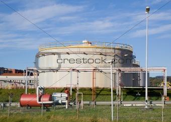 oil tank refinery