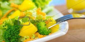 Broccoli-Mango-Carrot Salad