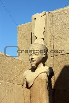 ancient egypt pharaoh statue