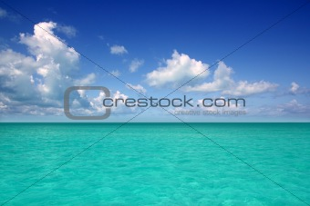 Caribbean sea horizon on blue sky vacation day