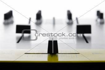 Crossfader of audio mixing controller
