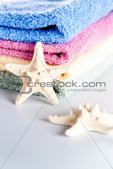 towels and sea stars