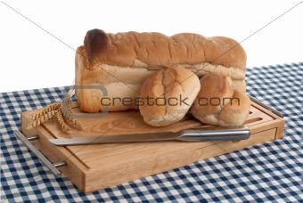 Slices of bread on top of wooden board