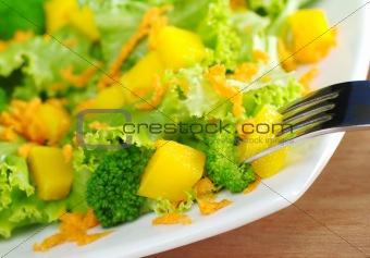 Broccoli-Mango-Carrot Salad