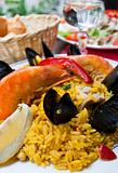 traditionnal spanish food paella