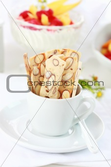 Cereal sticks with nuts