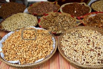 almonds cashew nuts peanuts hazelnuts