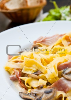 pasta with roast ham