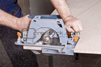 Carpenter with circular saw