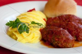 Greek food, soutzoukakia smyrneika