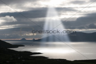 skellig rocks sun beams