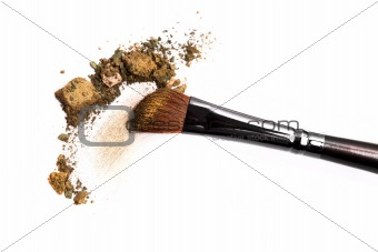 Cosmetic brush and crushed mixed color