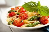 Spaghetti with green asparagus