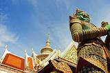 giant symbol and roof, Wat Arun temple